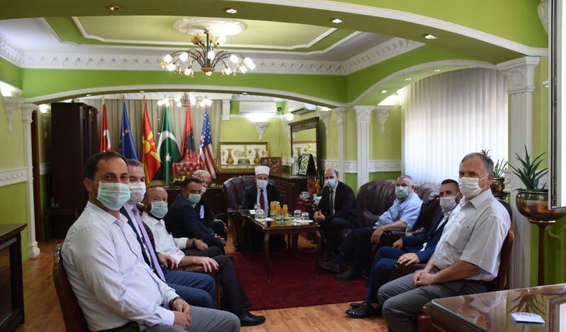 Anëtarët e Myftinisë së Shkupit uruan Reisin